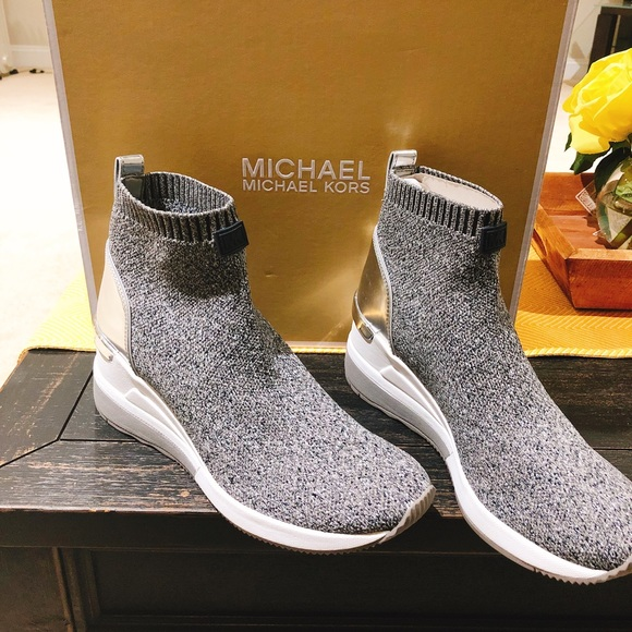 709599fdf8f MICHAEL Michael Kors Shoes